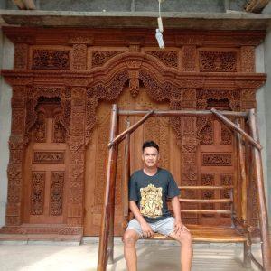 Gebyok-ukir-pintu-motif